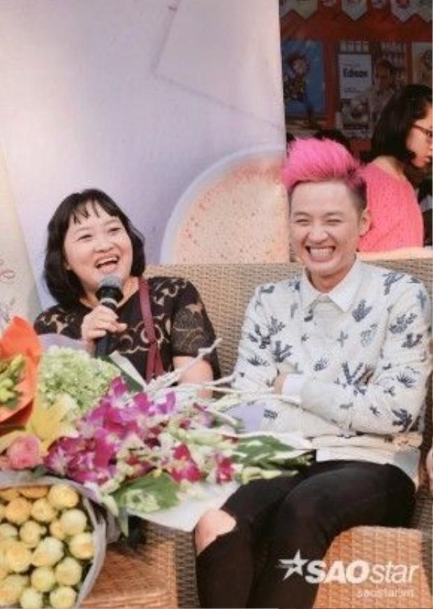 Thanh Duy xấu hổ khi bị mẹ kể xấu trước fan.