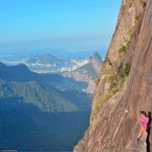 Mỏm núi đặc biệt này là nơi siêu chất để thả dáng đấy, tất nhiên, nếu bạn có đủ can đảm.