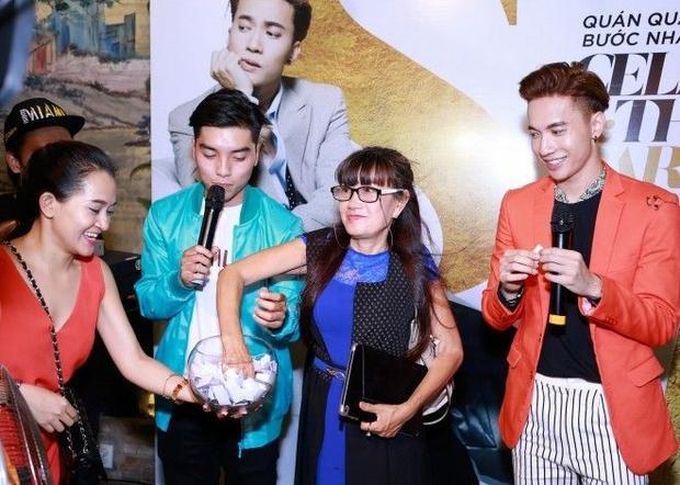 Nam vương Bước nhảy hoàn vũ  S.T 365 tổ chức tiệc ăn mừng cùng bạn bè sau chiến thắng