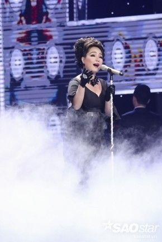 Minh Thảo thể hiện ca khúc Nếu có yêu tôi trong đêm Liveshow 4 với một hình ảnh sang trọng quyền quý.