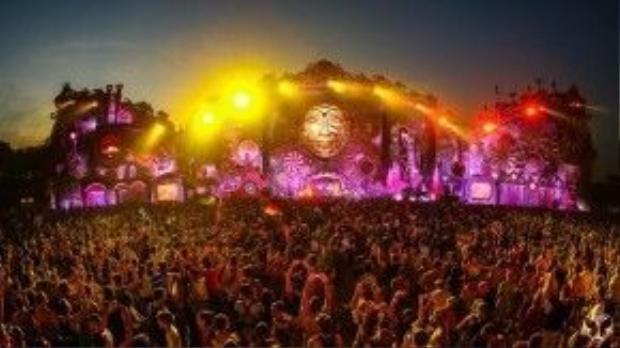 Hình ảnh rực rỡ của lễ hội âm nhạc Tomorrowland 2016.