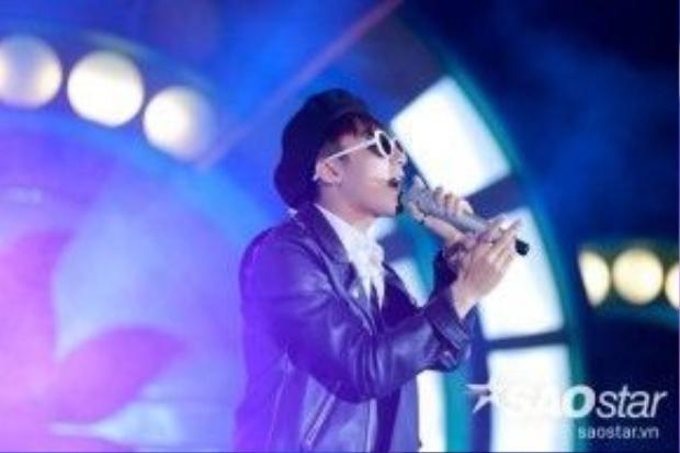 Đặc biệt màn gọi tên 'Sky ơi, Sky à' của nam ca sĩ điển trai cũng khiến fan bị chinh phục ngay lập tức.