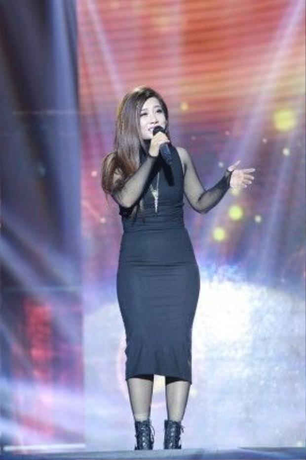 Trong đêm diễn, nữ ca sĩ Phượng Vũ mang đến bài hát: Mẹ tôi, Nếu em được lựa chọn.