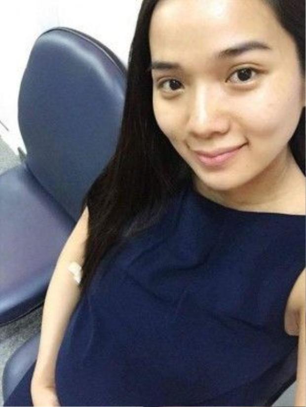 Hình ảnh Kim Cương tại bệnh viện trước khi vào phòng sinh em bé.