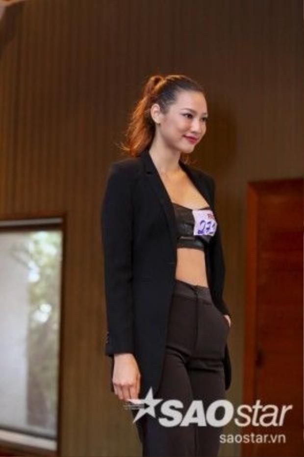Lily Nguyễn - một trong những gương mặt đã từng tham gia rất nhiều những campaign quảng cáo quốc tế cũng có mặt tại vòng casting The Face Vietnam khu vực Tp.HCM