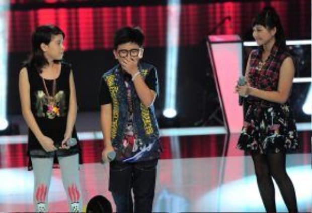 Chiara ngậm ngùi nhìn Tôn Chí Long đi tiếp tại Giọng hát Việt nhí 2013.