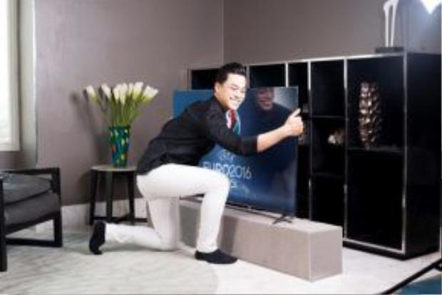 Phan Ngọc Luân rất ưa chuộng dòng sản phẩm C1 vừa mới lên kệ của TCL.