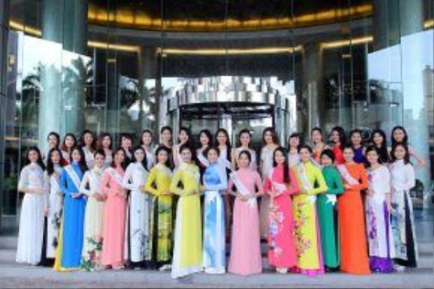 Các thí sinh trong vòng casting tại khách sạn Pumall, Hà Nội.