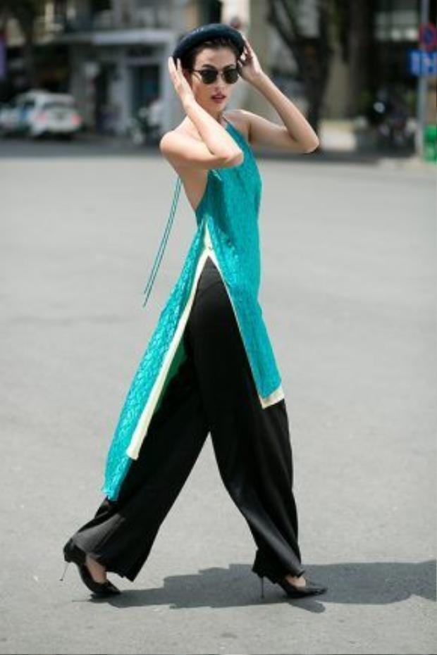 Quần lụa và áo dài yếm, cặp đôi lý tưởng cho kết hợp đậm nữ tính.