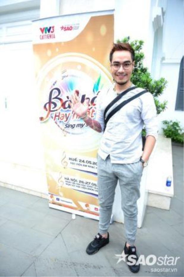 Đình Huy X-factor cũng tham gia buổi tuyển sinh Sing my song. Chàng trai củađội Hồ Quỳnh Hươngtừng lọt vào top 6 và để lại nhiều ấn tượng với khán giả.