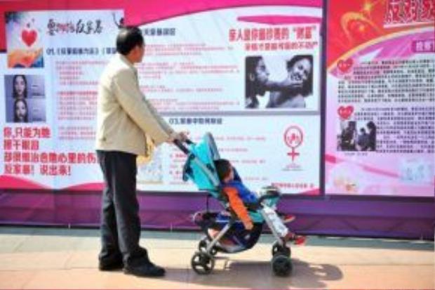 Trước vấn nạn nhiều phụ nữ bị đánh đập và phân biệt, hiện Trung Quốc đã ban hành điều luật chống bạo hành gia đình.