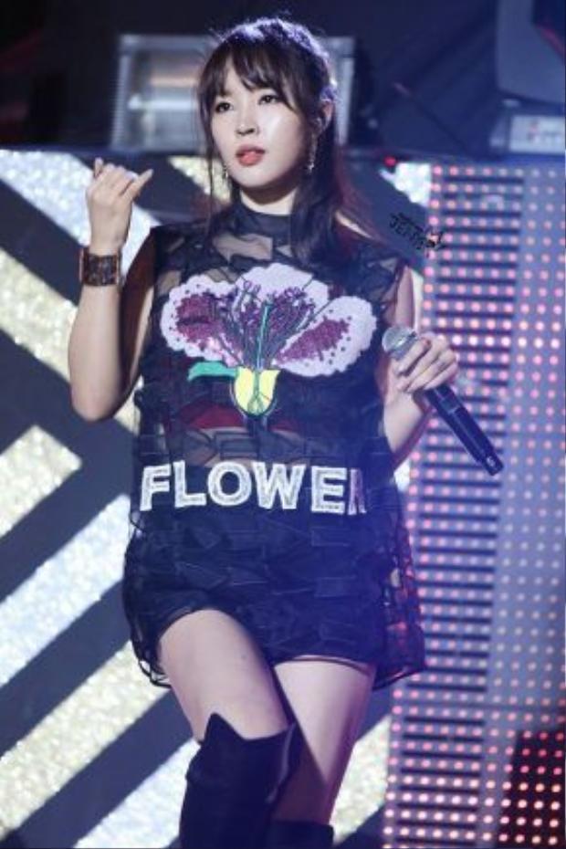 Jiyoon thì dành toàn bộ thời gian cho việc ca hát và sản xuất nhạc.