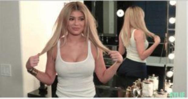 Kylie Jenner chia sẻ phương pháp làm đẹp trong một buổi phỏng vấn