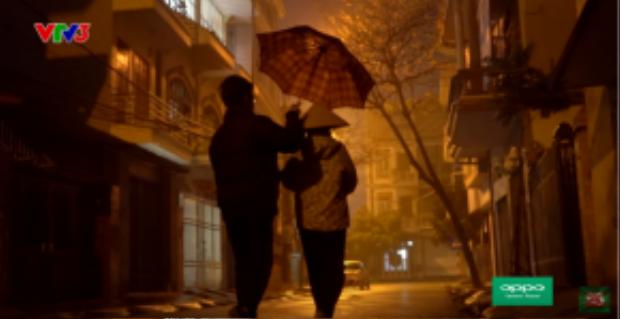 May mắn của Tuấn Phương là có những thay thế mình chăm sóc cho mẹ khi anh đang tham gia cuộc thi Nhân tố bí ẩn.