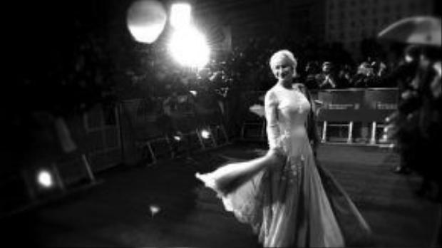 Thành công của Helen Mirren phần lớn đều đến từ những vai Nữ hoàng mà bà xuất sắc hóa thân.