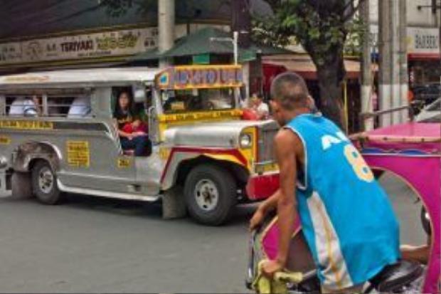 Xe jeepney - phương tiện công cộng quen thuộc của người dân Philippines.