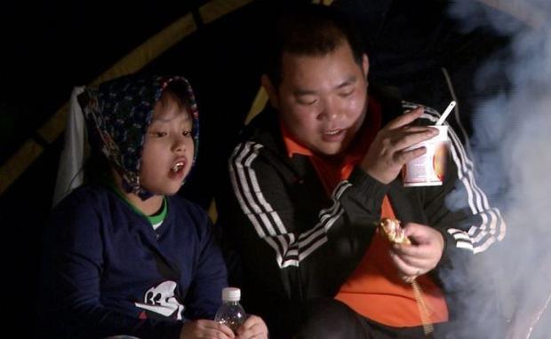 Những ông bố không đẹp ngời ngời vẫn chuẩn soái ca của showbiz Việt