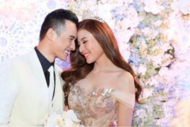 Lương Thế Thành hạnh phúc trong đám cưới với Thúy Diễm.
