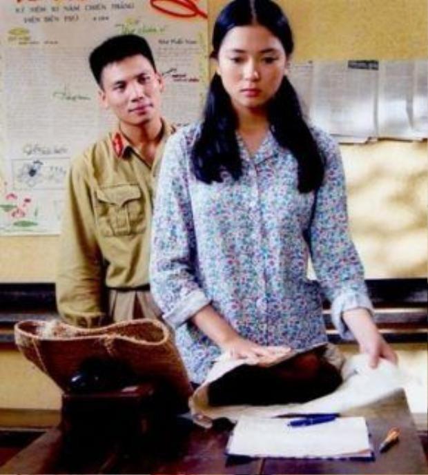 Nguyễn Thị Huyền nhận được nhiều lời khen về diễn xuất khi tham gia bộ phim điện ảnh Thời xa vắng.