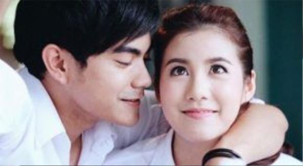 Esther và Sean là cặp đôi đẹp trong lòng người hâm mộ Thái Lan.