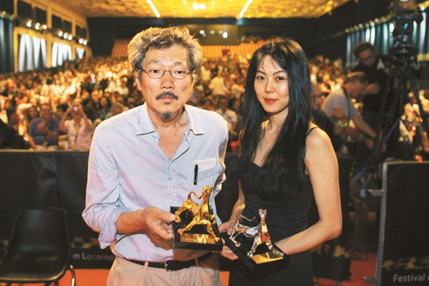 Người yêu cũ của Jo In Sung ngoại tình với đạo diễn lớn tuổi