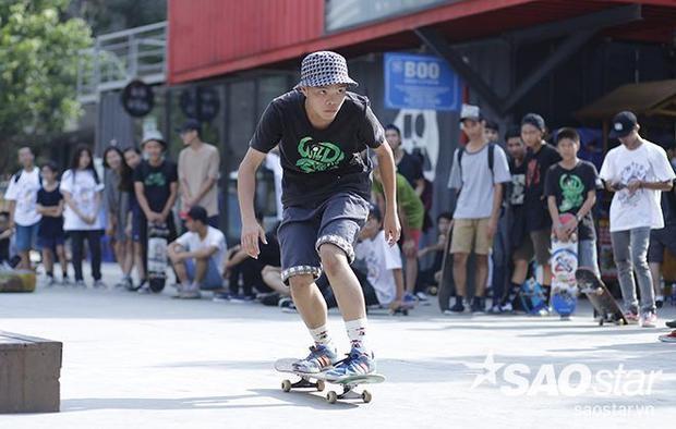 Giới trẻ Hà Nội trượt cuồng nhiệt nhân ngày Quốc tế skateboarding