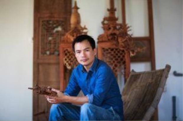 Tác giảcủa buổi triển lãm - Bùi Công Khánh - là một nghệ sĩ quan tâm đặc biệt đến định kiến xã hội và di sản văn hóa. Anh là mộttrong những nghệ sĩ Việt Nam đầu tiêncó danh tiếng quốc tế vào những năm 1990. Tới nay, Bùi Công Khanhđã được biết đến qua nhiều cuộc triển lãm thành công, đa dạng các thể loại khác nhau như: tranh, điêu khắc, sắp đặt, các đoạn phim ngắn… được giới thiệu rộng rãi không chỉ trênthế giới.