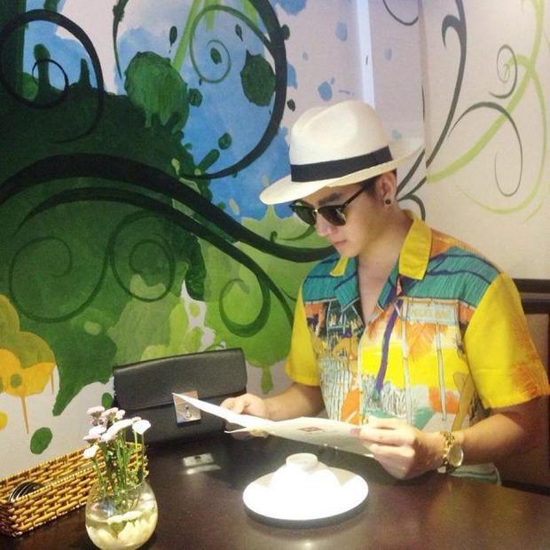 Nam Hee  chàng VJ với phong cách thời trang đa sắc thái