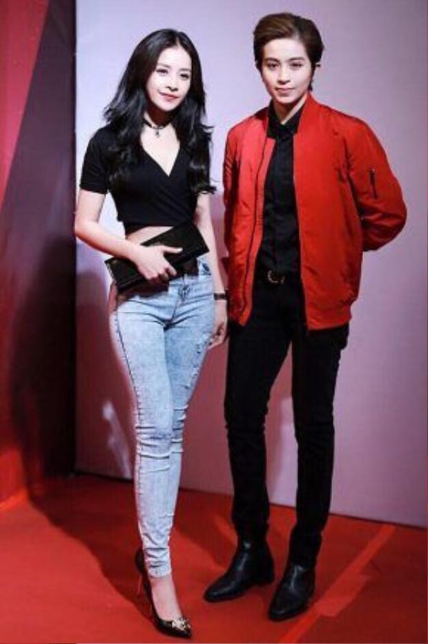 Gil Lê còn thường xuyên xuất hiện bên cạnh cô bạn thân Chi Pu.