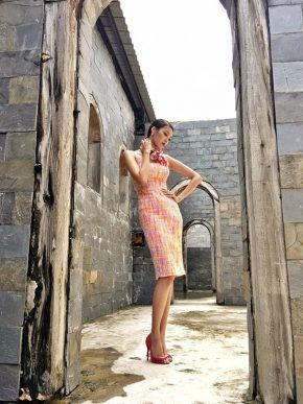 Đôi khi nữ tính như chính bản chất của một người phụ nữ với chiếc váy màu hồng.