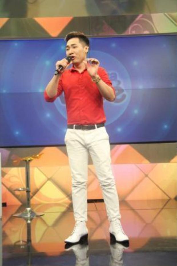 Tạ Đình Nguyên gửi tặng khán giả hàng loạt ca khúc ấn tượng tại Thần tượng Bolero.