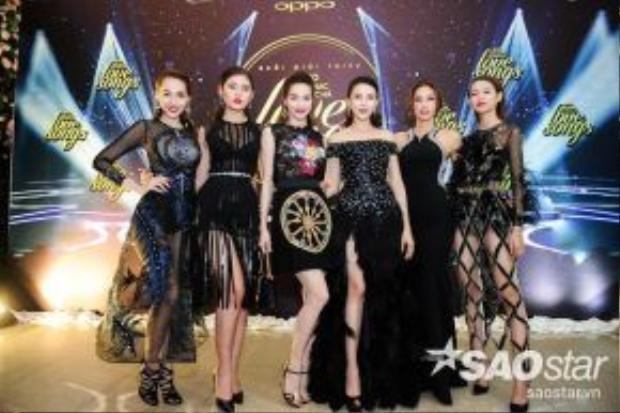 HLV Hồ Ngọc Hà và top 5 thí sinh của mình.