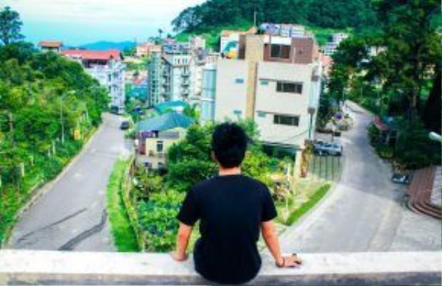 Đường xá ở Tam Đảo lên cao xuống thấp khá giống với những thành phố trên núi khác như Đà Lạt, Sa Pa… Thế nhưng, giao thông hiếm khi xảy ra tắc đường.
