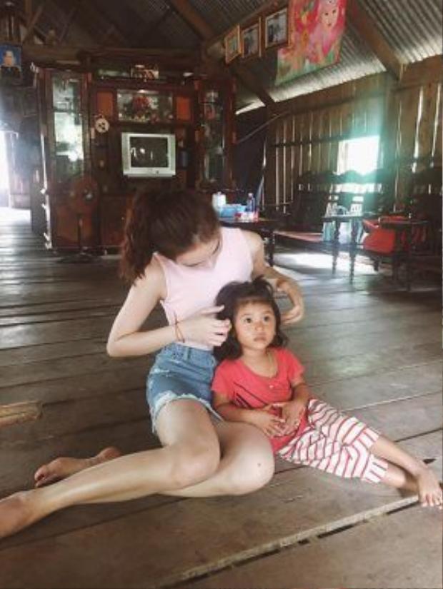 Angela Phương Trinh nhận được rất nhiều lời khen, tình cảm của mọi người.