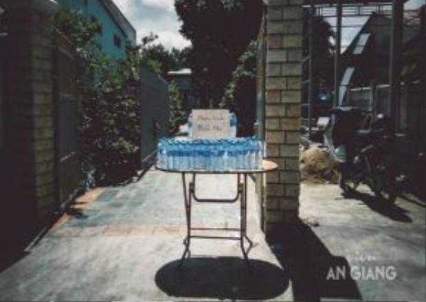 Nước suối miễn phí