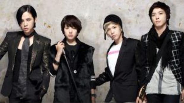 Tae Kyung ( Jang Geun Suk) và Mi Nam (Park Shin Hye) đều là thành viên nhóm nhạc A.N.Jells.