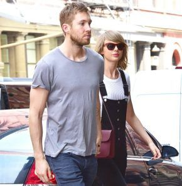 Calvin Harris và Taylor Swift tay trong tay tại quận Manhattan, thành phố New York ngày 28/5/2015.