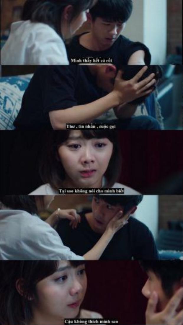 Cảnh Cảnh dồn ép Dư Hoài nói ra lòng mình. Cô tin rằng tình cảm của Dư Hoài cũng giống như vết xăm trên cánh tay, chỉ là giấu kín đi chứ không thể phai mờ được.