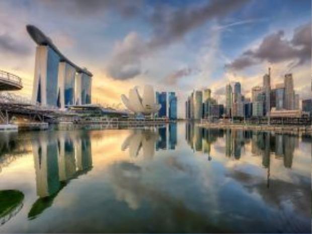 Chân trời Singapore: Đảo quốc sư tử thu hút du khách nhờ những tòa cao ốc chọc trời, trung tâm mua sắm sầm uất, nhưng vẫn giữ được nét văn hóa riêng và ẩm thực tuyệt ngon.