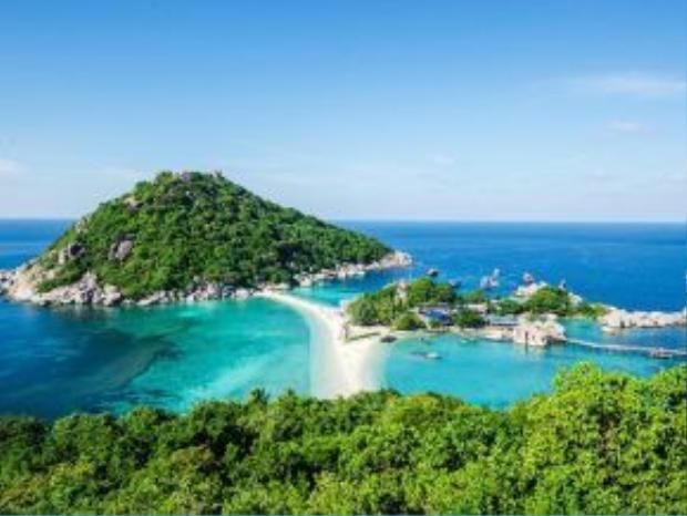 Ko Tao, Thái Lan: Hòn đảo xinh đẹp này là nơi nghỉ hè lý tưởng, với dải cát trắng mịn, nước trong vắt và thiên nhiên còn giữ được vẻ hoang sơ.
