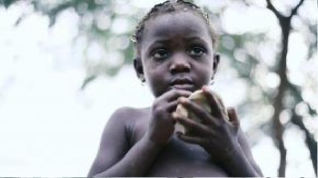 """Tại rất nhiều quốc gia châu Phi hay châu Mỹ Latin, việc ăn đất từ lâu đã trở thành một chuyện """"bình thường như cân đường hộp sữa""""."""