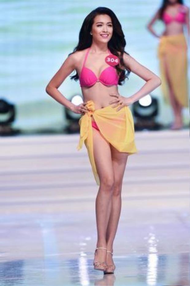Lệ Hằng từng tạo nhiều ấn tượng trong cuộc thi Hoa hậu Hoàn vũ Việt Nam 2015 với hình thể chuẩn.