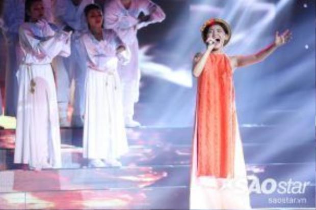 Minh Như tự tin thể hiện ca khúc Trên đỉnh Phù Vân.