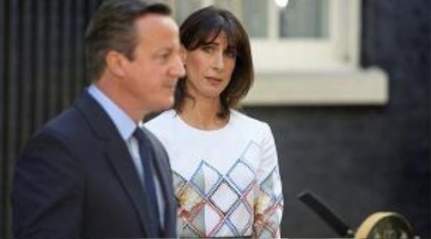 Thủ tướng Anh David Cameron đã phải kìm chế những giọt nước mắt khi thông báo quyết định từ chức sau thất bại ngỡ ngàng trong cuộc trưng cầu dân ý về vấn đề đi hay ở lại EU