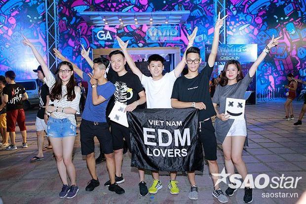 Hội con nhà giàu cưỡi siêu xe làm náo loạn lễ hội Trap lớn nhất Việt Nam