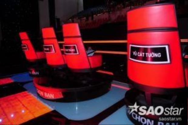 Chiếc ghế nóng của dàn HLV trẻ The Voice Kids 2016.