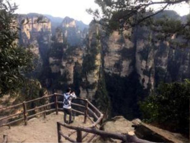 Cần 2 - 3 ngày mới khám phá được một phần ít ỏi của rừng quốc gia Trương Gia Giới.