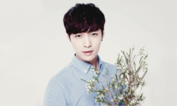 Nam ca sĩ - diễn viên Lay (EXO).