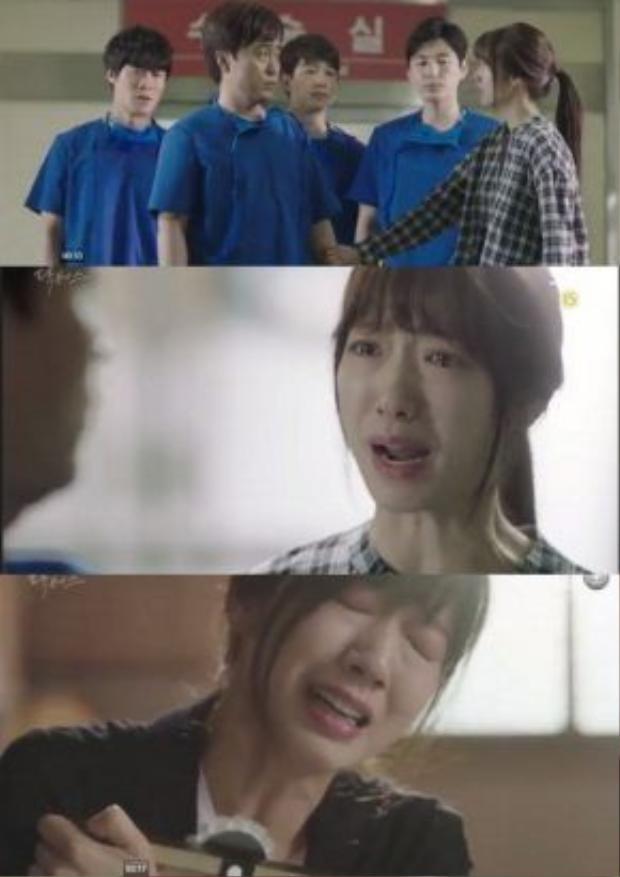 Hye Jung đau khổ tột cùng khi mất đi người cô yêu thương nhất đời, và cũng là chỗ dựa duy nhất của cô.