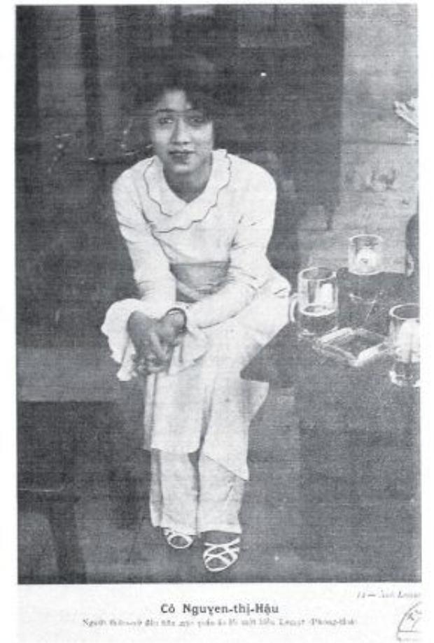 Cô Nguyễn Thị Hậu, người đầu tiên mặc Le Mur (áo dài Phong Hóa)